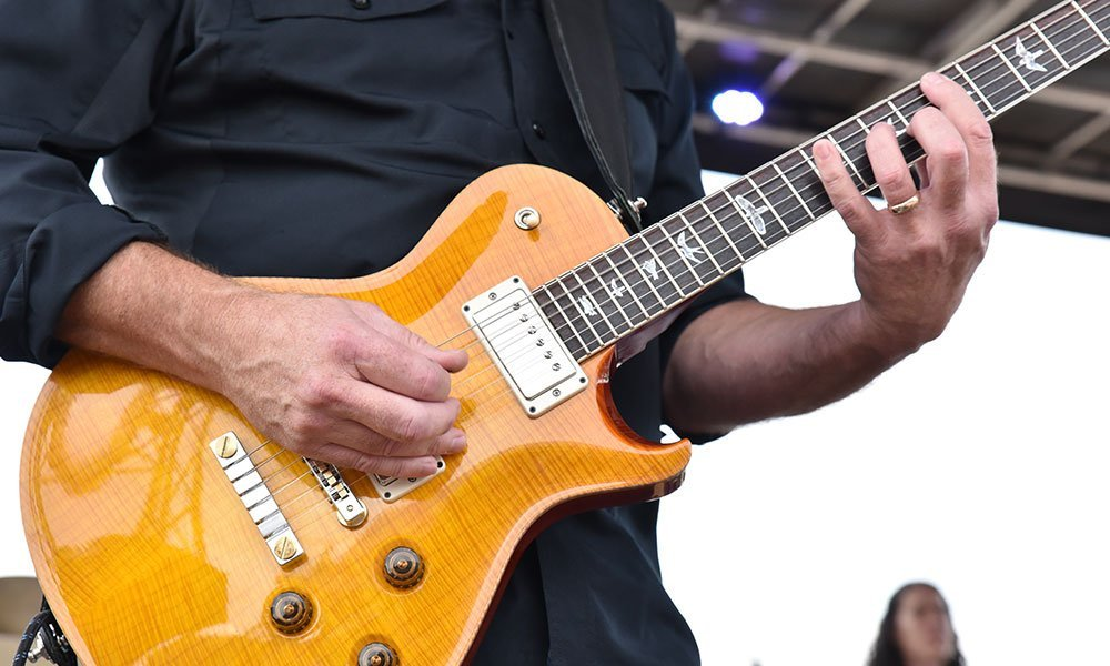 Gorgeous guitar classic rock Live at the lake